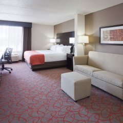Отель Holiday Inn Express & Suites Bloomington - Mpls Arpt Area West 3* Стандартный номер