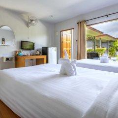 Отель Again at Naiharn Beach Resort комната для гостей
