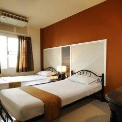 Отель Rambuttri Village Inn & Plaza 3* Улучшенный номер с различными типами кроватей