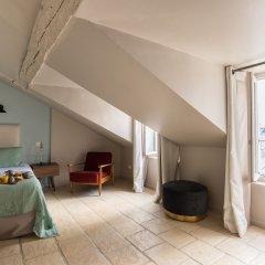 Отель Hôtel Monsieur Saintonge 4* Полулюкс с различными типами кроватей