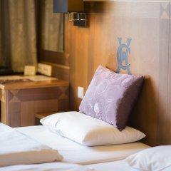 Carlton Hotel Budapest 4* Стандартный номер с двуспальной кроватью