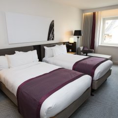 Отель Hilton London Angel Islington 4* Улучшенный номер с различными типами кроватей