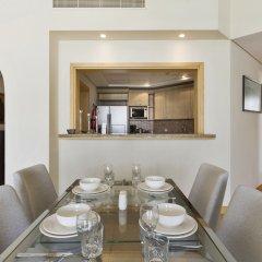 Отель Bespoke Residences - Shoreline Al Haseer в номере фото 2