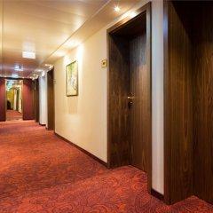 Hotel Stefanie интерьер отеля