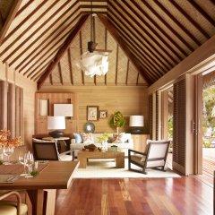 Отель Four Seasons Resort Bora Bora 5* Вилла с различными типами кроватей
