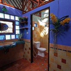 Отель Shanti Lodge Phuket 3* Стандартный номер с двуспальной кроватью (общая ванная комната)