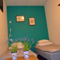 Отель Interhostel 2* Стандартный номер с 2 отдельными кроватями (общая ванная комната)