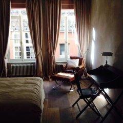Отель Saint-Sauveur Bruges B&B 4* Номер Делюкс с различными типами кроватей фото 13