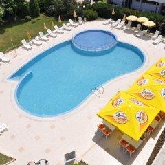 Отель Regatta Palace - All Inclusive Light открытый бассейн