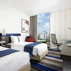 Отель Holiday Inn Express Bangkok Siam 3* Стандартный номер с различными типами кроватей фото 2