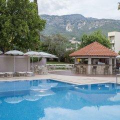 Tara Hotel открытый бассейн