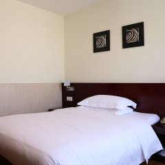 Отель Baiyun City 3* Улучшенный номер