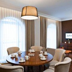 Radisson Blu Hotel, Kyiv Podil 4* Люкс с различными типами кроватей фото 3