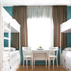 Cheers Midtown Hostel Кровать в общем номере с двухъярусной кроватью