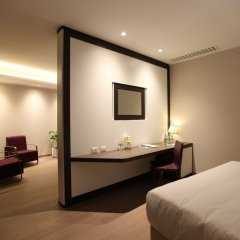 DoubleTree by Hilton Hotel Yerevan City Centre комната для гостей фото 8