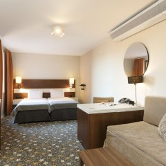 Hotel Opera 4* Стандартный семейный номер с двуспальной кроватью