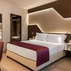 DoubleTree by Hilton Hotel Yerevan City Centre комната для гостей