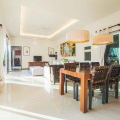 Отель Two Villas Holiday Oriental Style Layan Beach жилая площадь