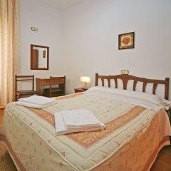 Отель Hostal San Antonio Стандартный номер с двуспальной кроватью