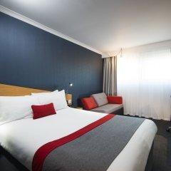 Отель Holiday Inn Express Glasgow City Centre Riverside 3* Стандартный семейный номер с двуспальной кроватью