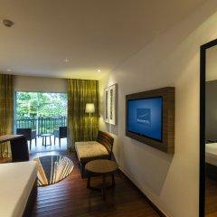 Отель Novotel Phuket Karon Beach Resort & Spa 4* Улучшенный номер фото 4