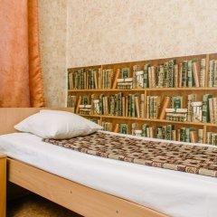 Хостел Звезда Кровать в общем номере с двухъярусной кроватью