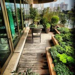Отель Hyatt Centric Levent Istanbul терраса/патио