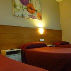 Отель Hostal Drassanes Стандартный номер с различными типами кроватей