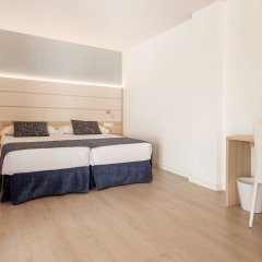 Отель Tomir Portals Suites Полулюкс с различными типами кроватей