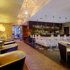 Sheraton Munich Arabellapark Hotel гостиничный бар