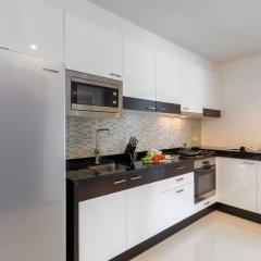 Апартаменты The Regent Phuket Serviced Apartment Kamala Beach кухня в номере фото 3