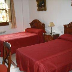 Отель Pension Suecia 2* Номер с общей ванной комнатой с различными типами кроватей (общая ванная комната)