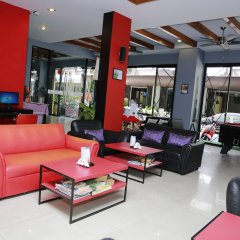 Отель PJ Patong Resortel лобби