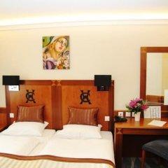 Carlton Hotel Budapest 4* Улучшенный номер с различными типами кроватей