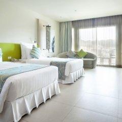 Отель Millennium Resort Patong Phuket 5* Улучшенный номер с различными типами кроватей