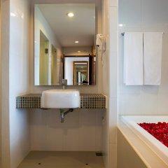 Отель Chanalai Flora Resort, Kata Beach 4* Номер Премиум разные типы кроватей фото 5