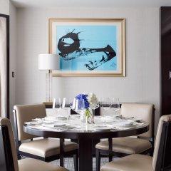 Отель The Peninsula Beijing 5* Люкс Премьер с двуспальной кроватью