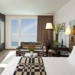 Crowne Plaza Tel Aviv Beach 3* Стандартный номер с различными типами кроватей фото 5