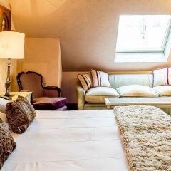 Отель Hôtel Chateaubriand Champs Elysées 4* Номер Делюкс
