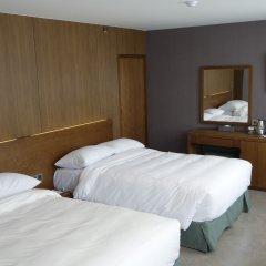 Itaewon Crown hotel 3* Стандартный семейный номер с 2 отдельными кроватями