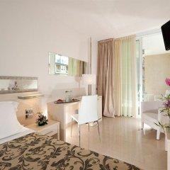 Отель Mercure Rimini Artis комната для гостей