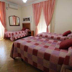 Отель Hostal Greco Madrid Стандартный номер с различными типами кроватей
