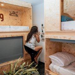 Отель Deck Lodge 2* Кровать в общем номере с двухъярусной кроватью