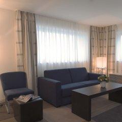 Movenpick Hotel Amsterdam City Centre гостиная