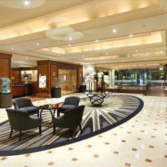 Отель London Hilton on Park Lane лобби