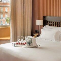 Отель NH Collection Paseo del Prado 5* Номер категории Премиум с различными типами кроватей