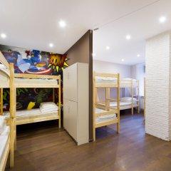 KARLOV MOST hostel Кровать в общем номере с двухъярусными кроватями