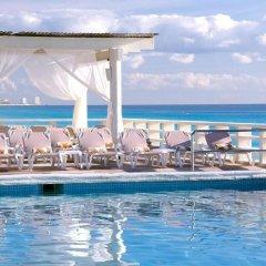 Отель Crown Paradise Club Cancun - Все включено Мексика, Канкун - 10 отзывов об отеле, цены и фото номеров - забронировать отель Crown Paradise Club Cancun - Все включено онлайн бассейн фото 2