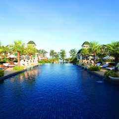 Отель Phuket Graceland Resort And Spa бассейн