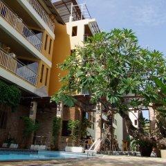 Отель La Vintage Resort крыльцо